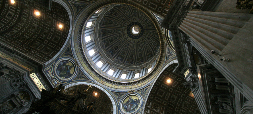 Ron_St_Peters_Cathedral_ceiling